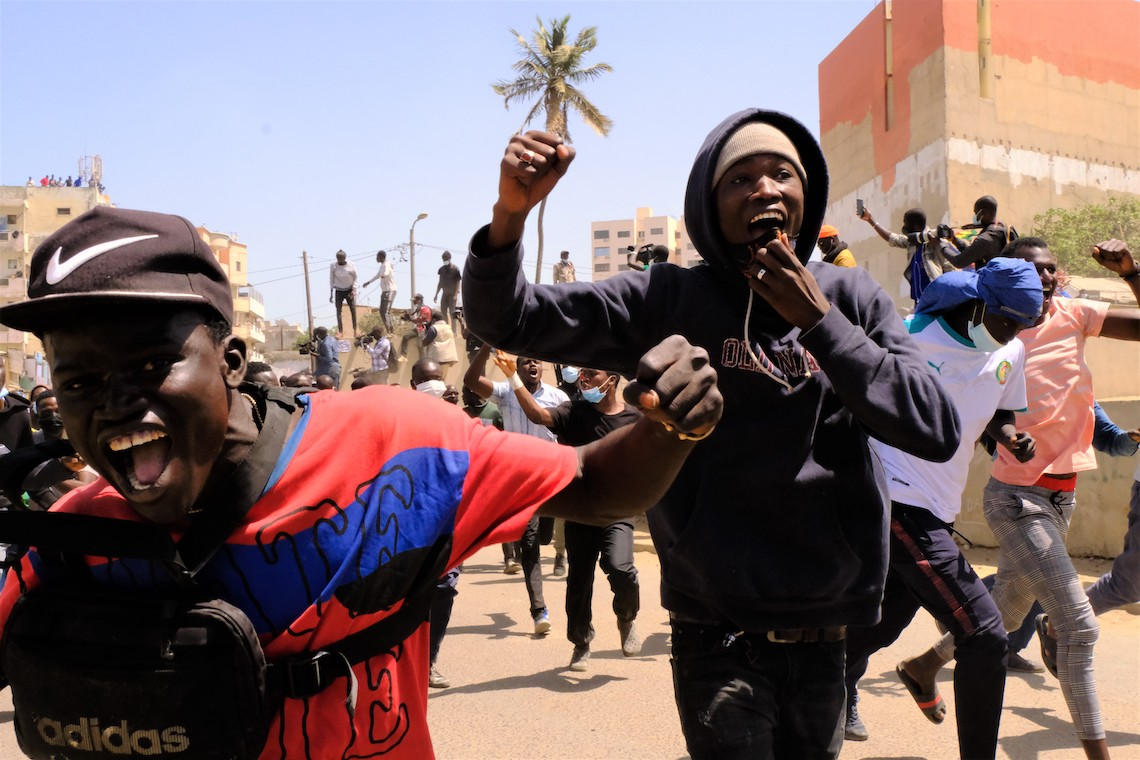 Senegal, manifestanti festeggiano il rilascio di Sonko