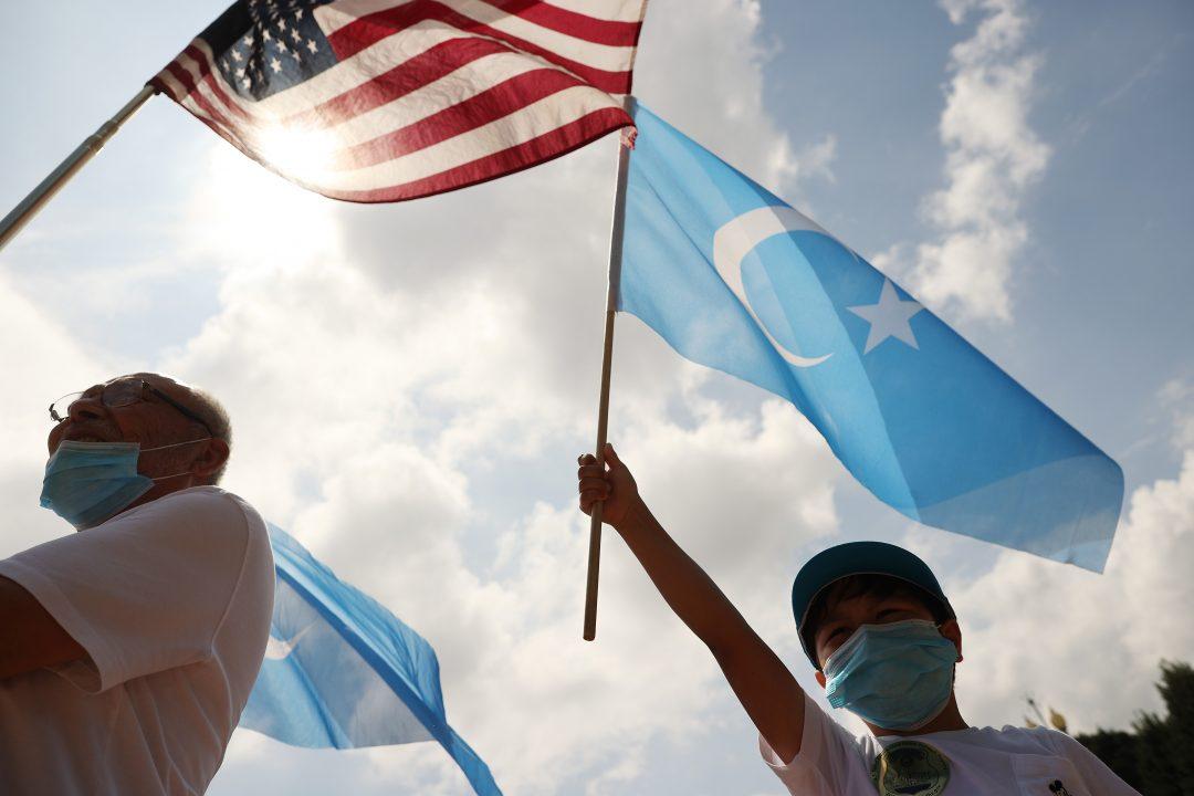 Una manifestazione negli Stati Uniti per i diritti degli uiguri