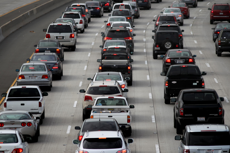 emissioni auto in coda