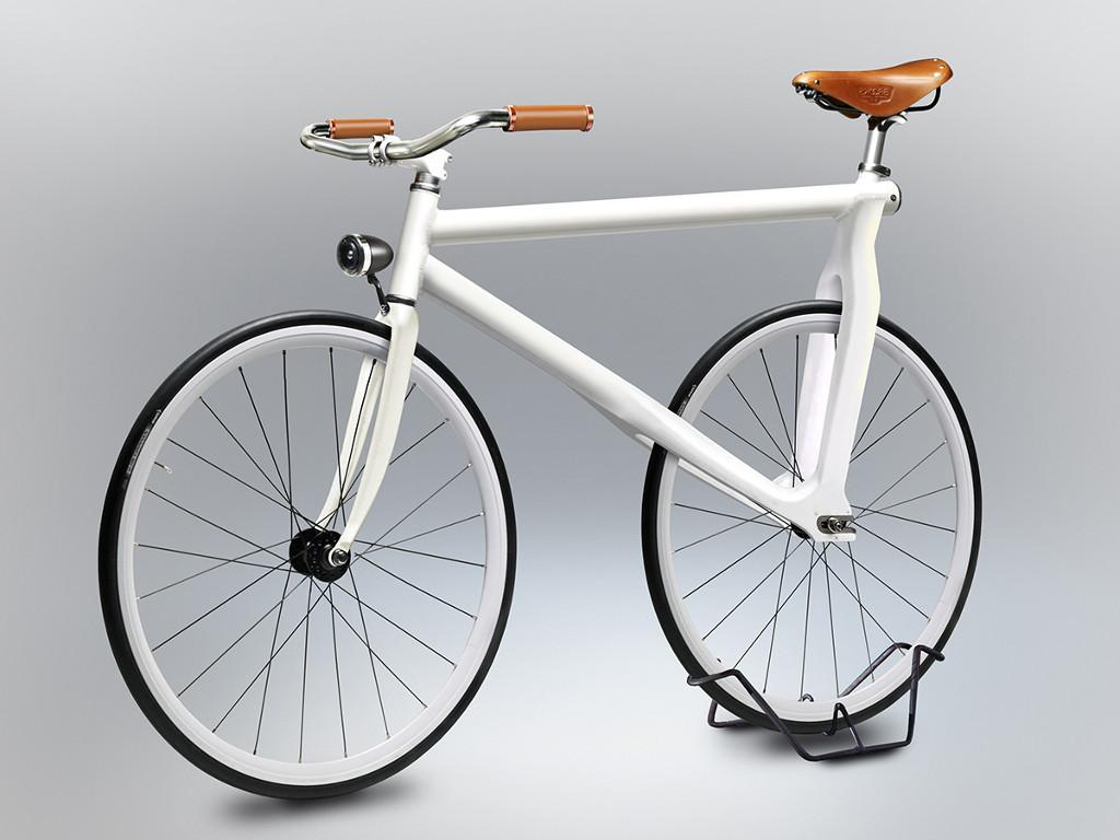 Velocipedia quanto sono strane le bici disegnate dalle for Bicicletta per tre persone
