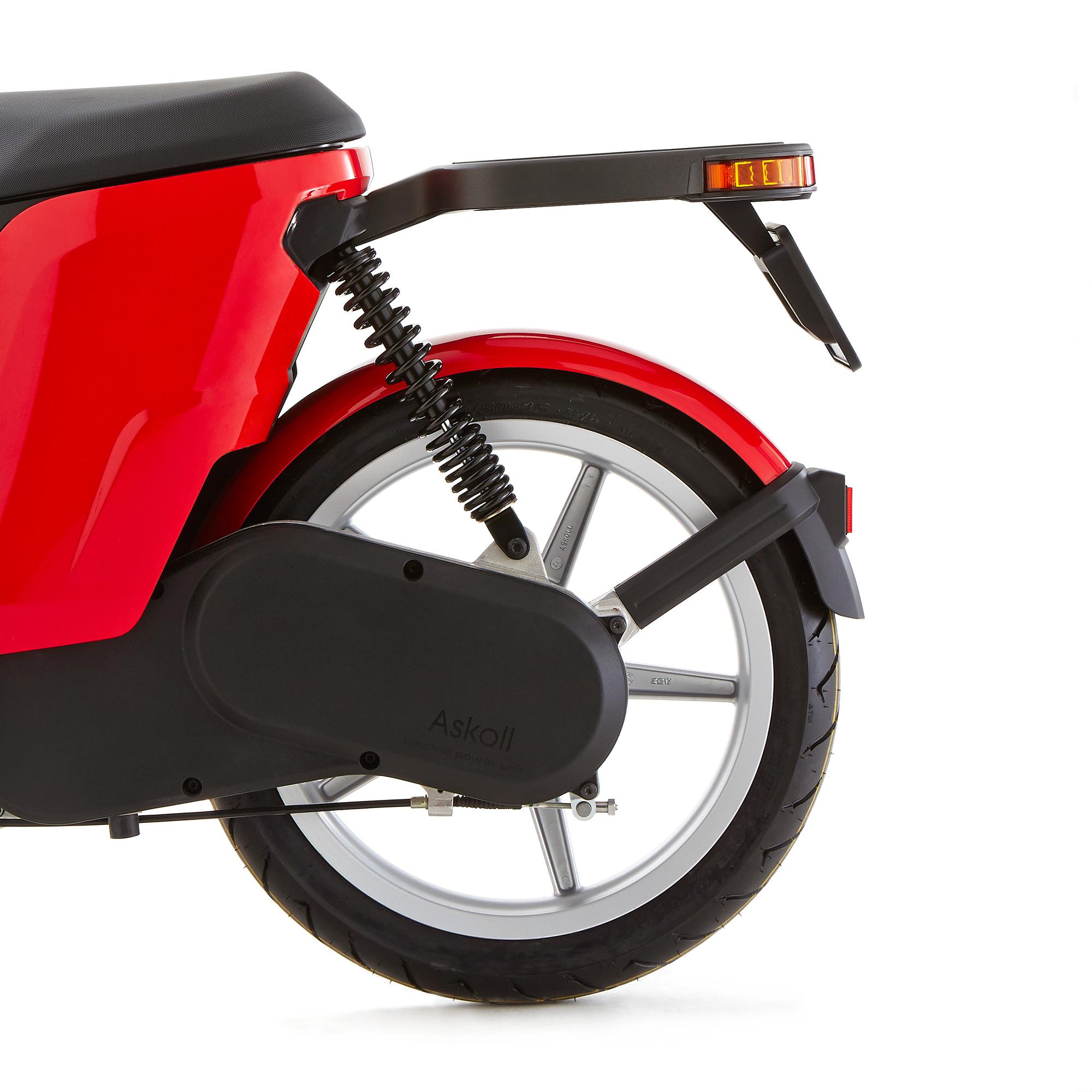 Da Askoll Il Primo Scooter E La Prima Bici Elettrica 100 Per Cento