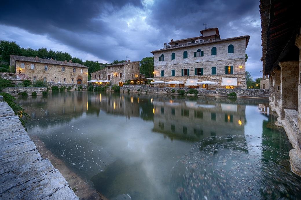 6 luoghi da visitare tra firenze e siena tradizioni sapori e bellezze della toscana lifegate - Distanza da siena a bagno vignoni ...