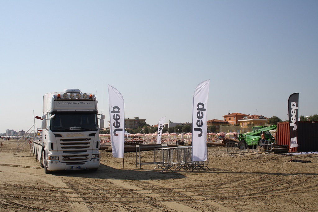 Camion in spiaggia