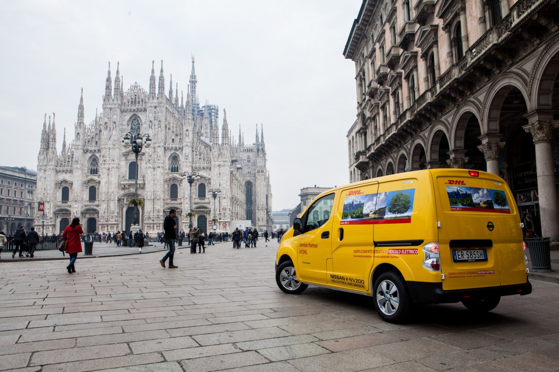 Nell'ottica del rafforzamento della sostenibilità dei trasporti, DHL ha aperto da tempo la propria flotta ai veicoli elettrici