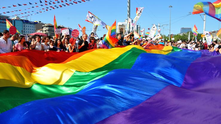 gay sesso app Europa sono morto voglio collegare più leggero