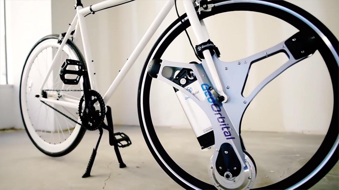 Grazie a questa ruota qualsiasi bicicletta pu diventare for Bicicletta per tre persone