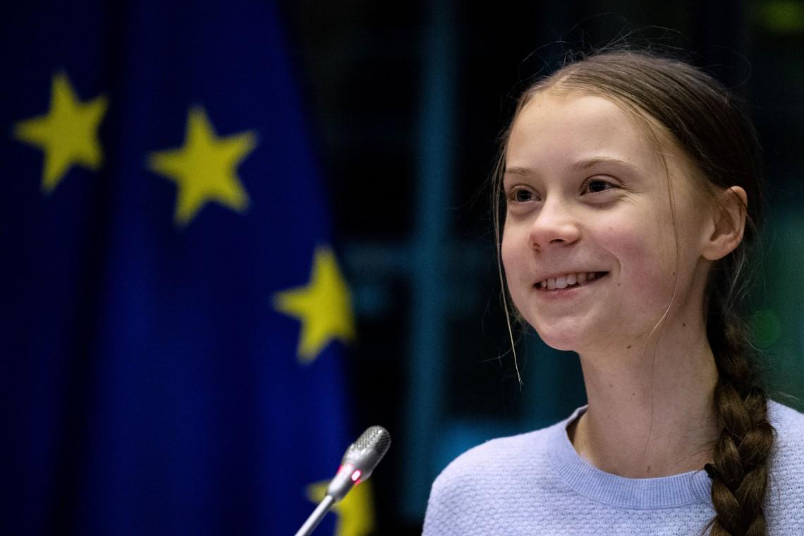 Primo piano di Greta Thunberg al Parlamento europeo