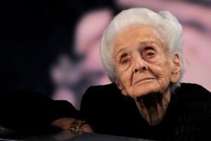 "Rita Levi Montalcini a  ""Che tempo che fa"", Novembre 2008 (Photo by Morena Brengola/Getty Images)"
