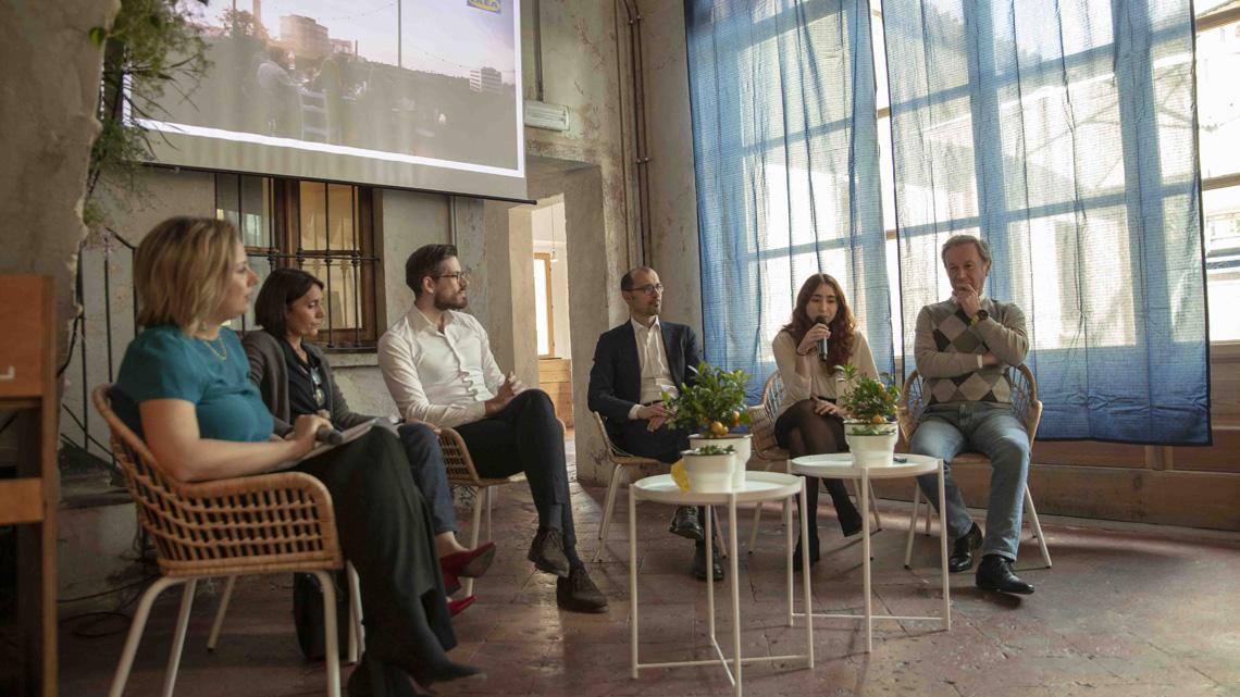 Ikea Restituzione Mobili Usati.Ikea Alla Prova Della Circular Economy Parte Il Ritiro Dei
