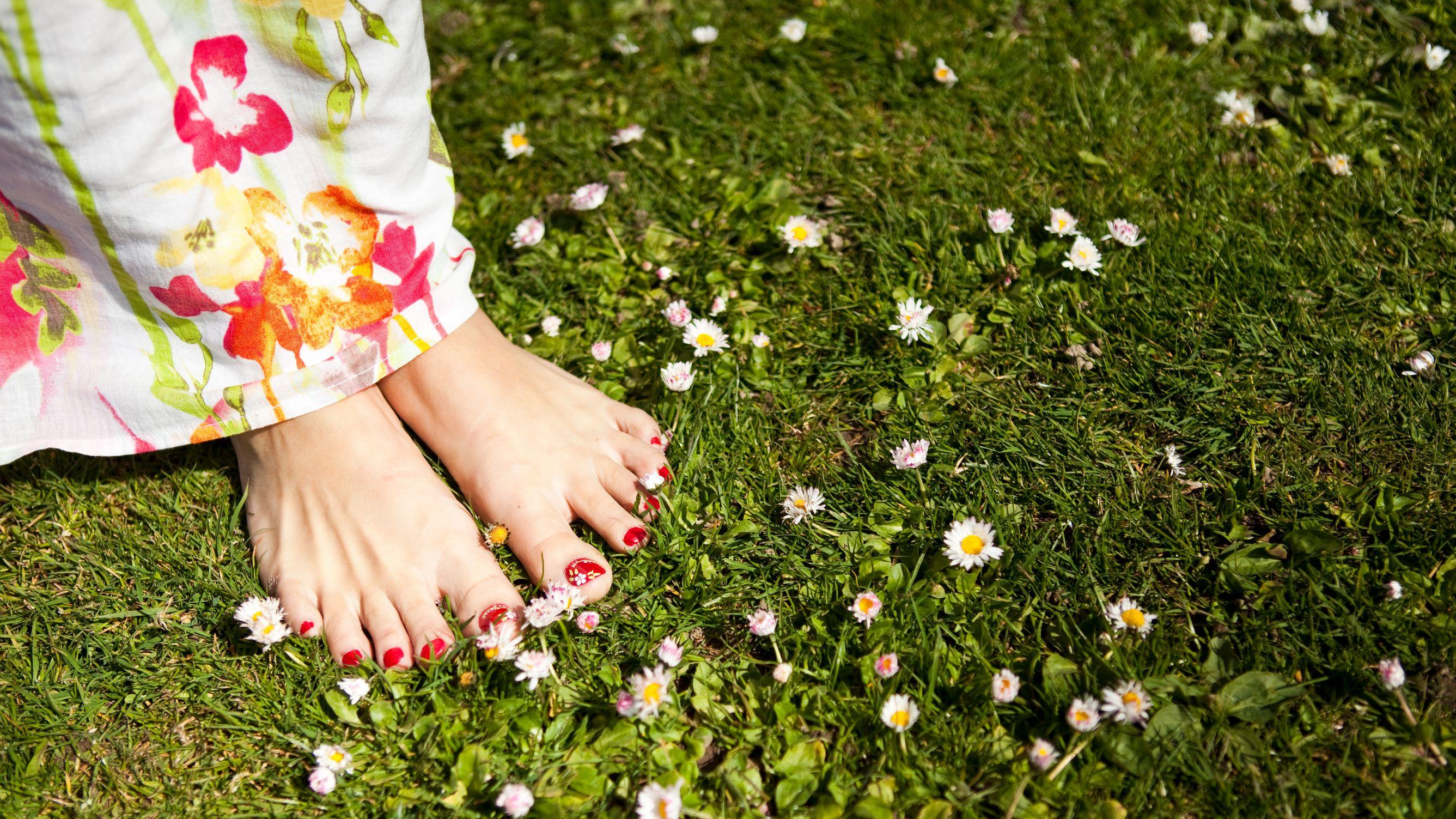 Curare i piedi: come averli bellissimi, in poche mosse - LifeGate