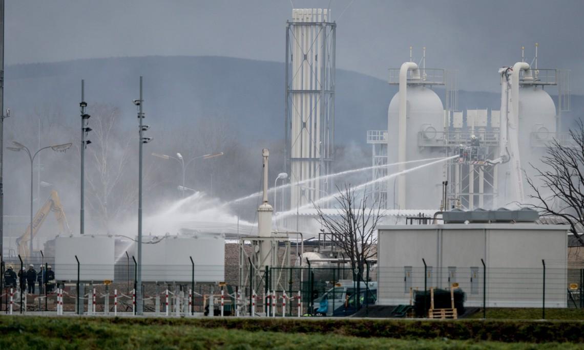 Esplosione in un impianto austriaco del gas. Italia in stato di emergenza