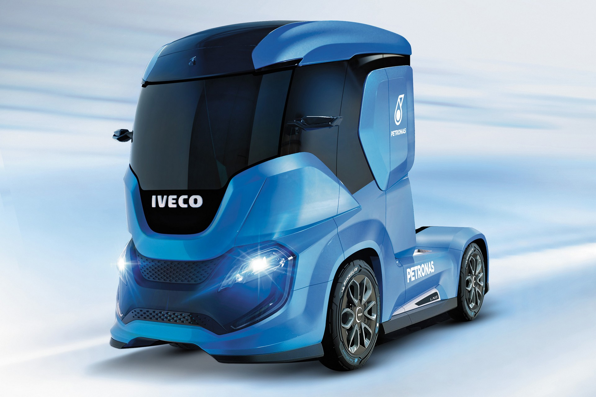 Il camion iveco z truck pu rendere sostenibile e sicuro - Foto di grandi camion ...