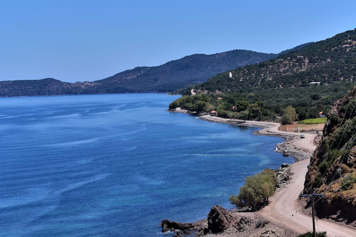 grecia sull 39 isola di lesbo la crisi dei migranti si