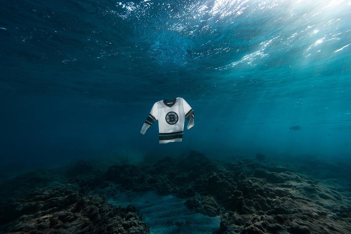 90e67f00fe8af Le maglie da hockey di Adidas e Parley for the Oceans fatte con i rifiuti  oceanici