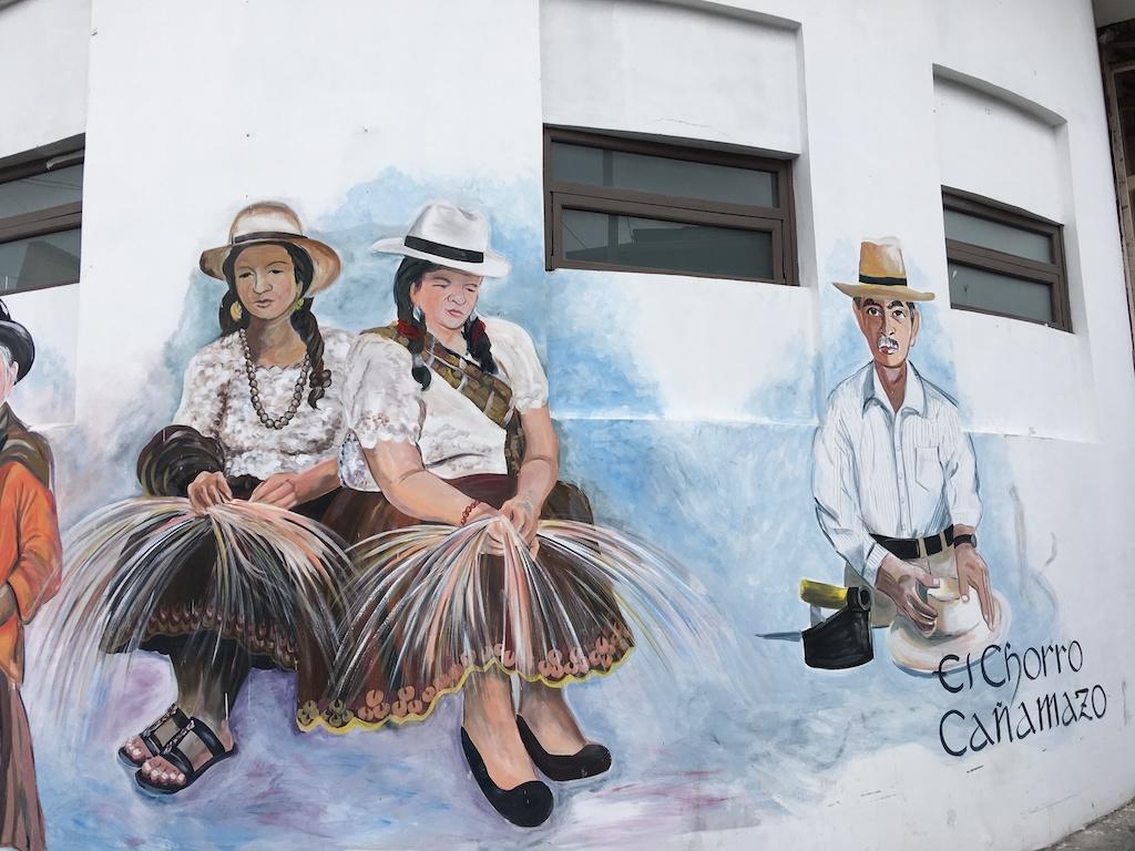 Un dipinto murale a Cuenca accanto all economuseo Casa del Sombrero e08e9aa5babc
