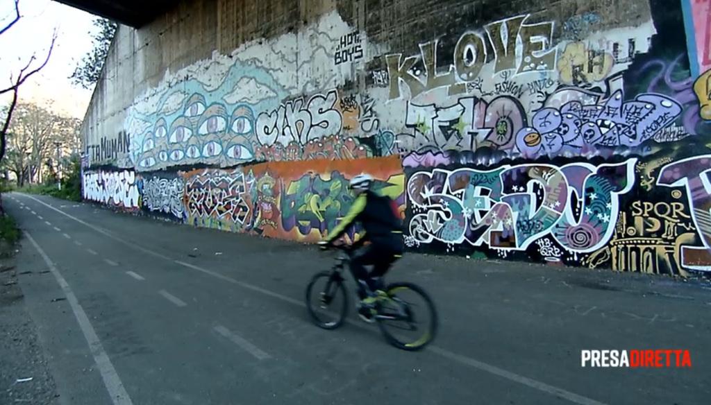 Risultati immagini per Iacona e le bici a Roma
