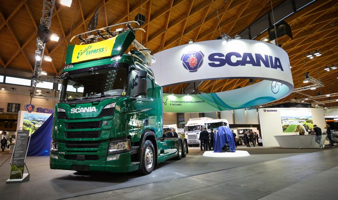 Scania camion ibrido a pantografo