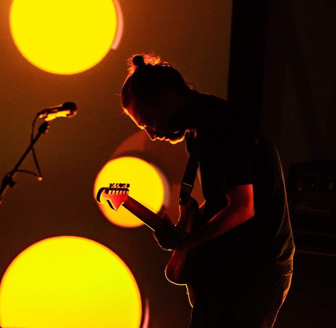 Thom York durante una performance live.