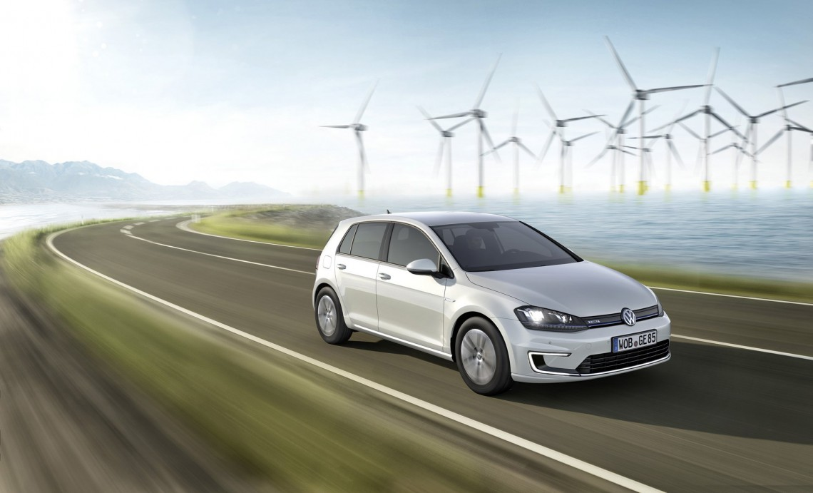 Volkswagen e-Golf_015