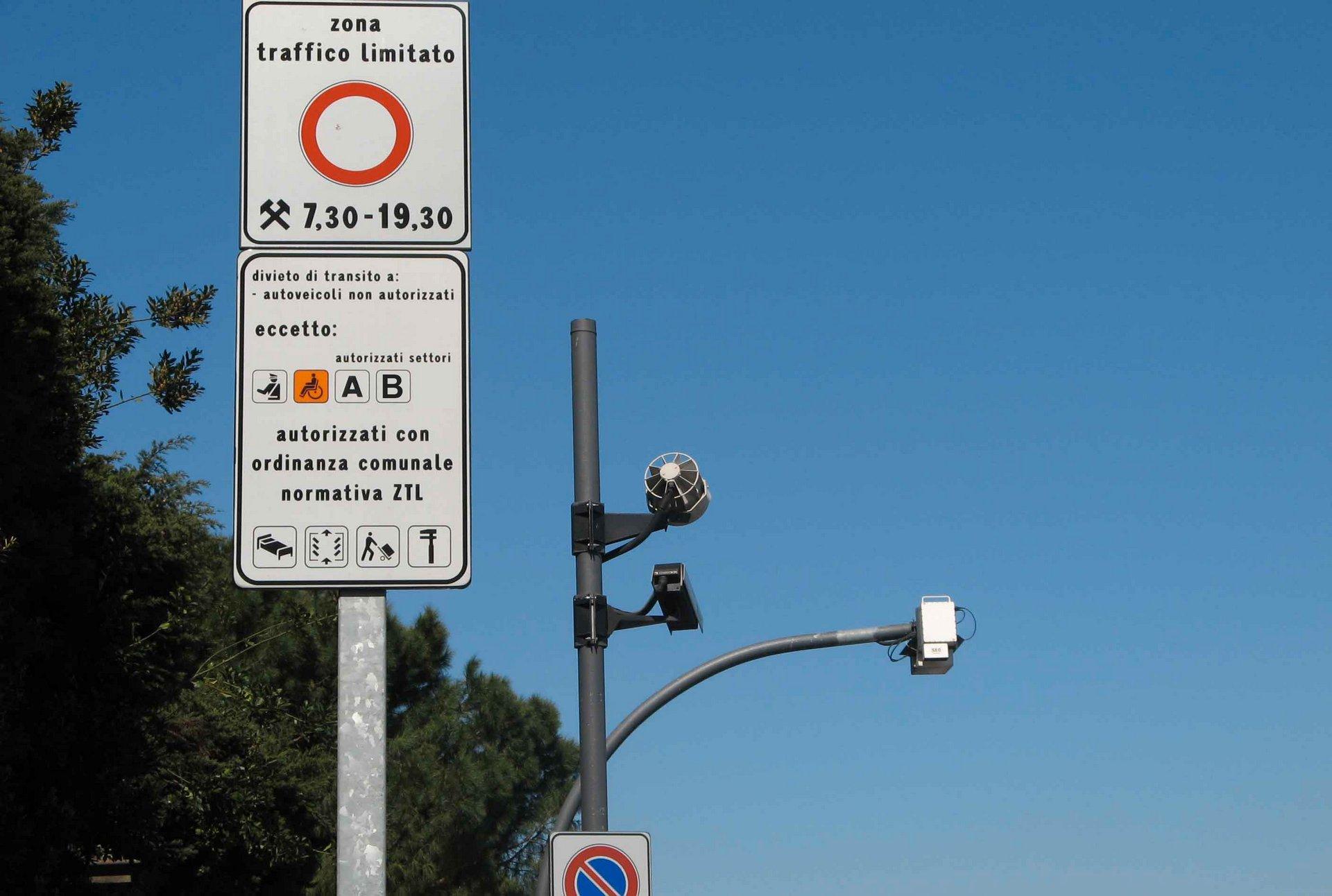 Schemi Elettrici Automobili Gratis : In liguria bollo gratuito per le auto ibride ed elettriche lifegate