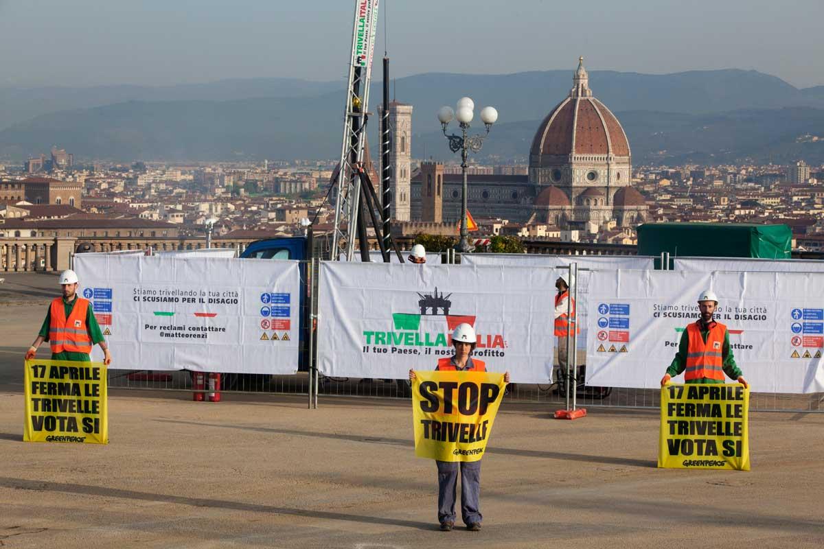 La Porti Una Trivella A Firenze Un Pozzo Petrolifero In Piazzale