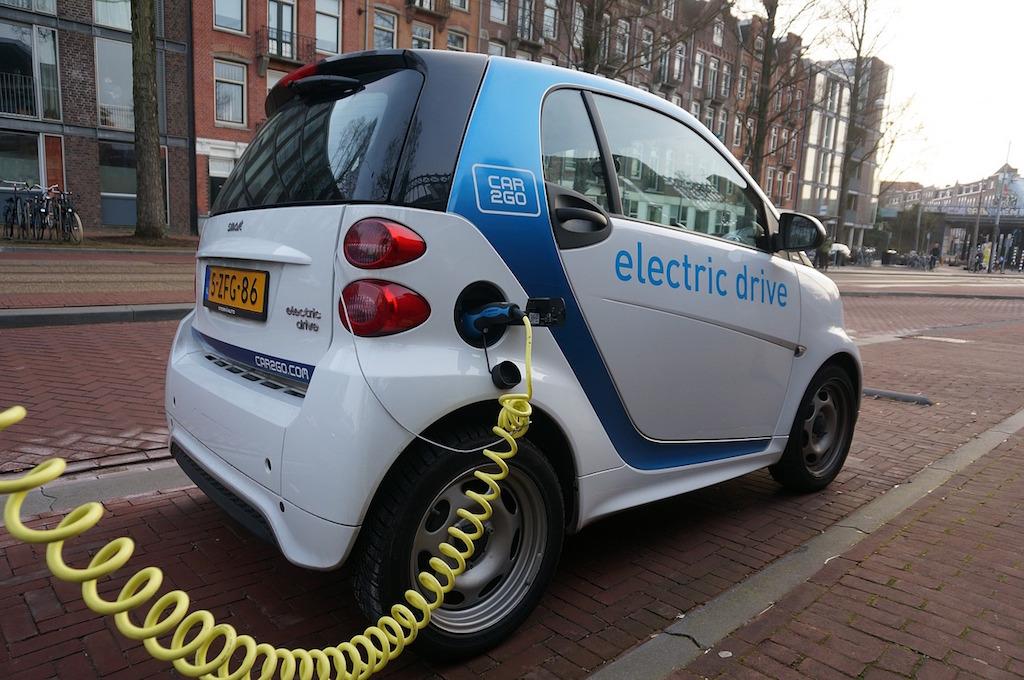 Il trasporto elettrico è una componente cruciale del piano di Mark Jacobson. Foto: Pixabay