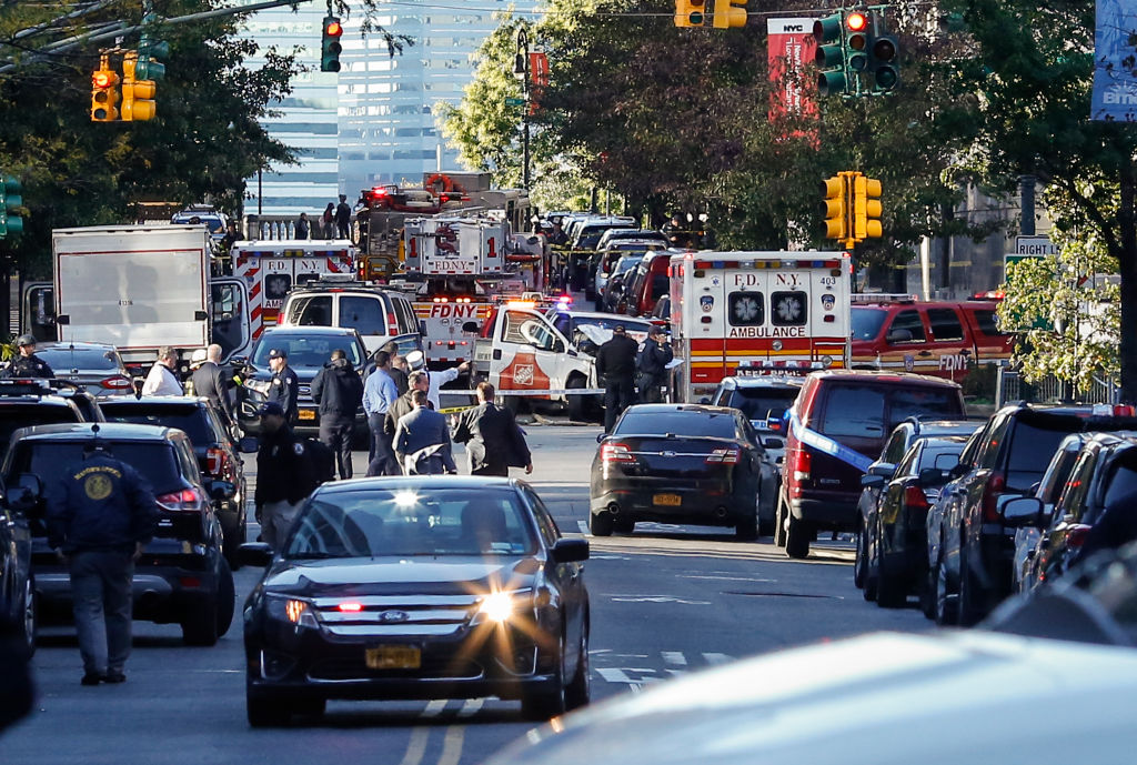 morti feriti attentato new york ciclabile