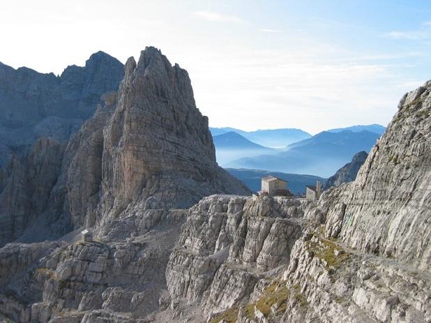 10 montagne da scalare in italia lifegate for Cabina di montagna grande orso
