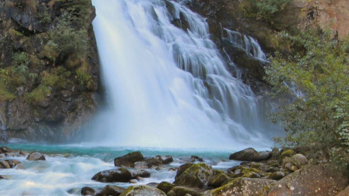 Le 10 cascate pi belle da andare a vedere in italia for Le piu belle fotografie