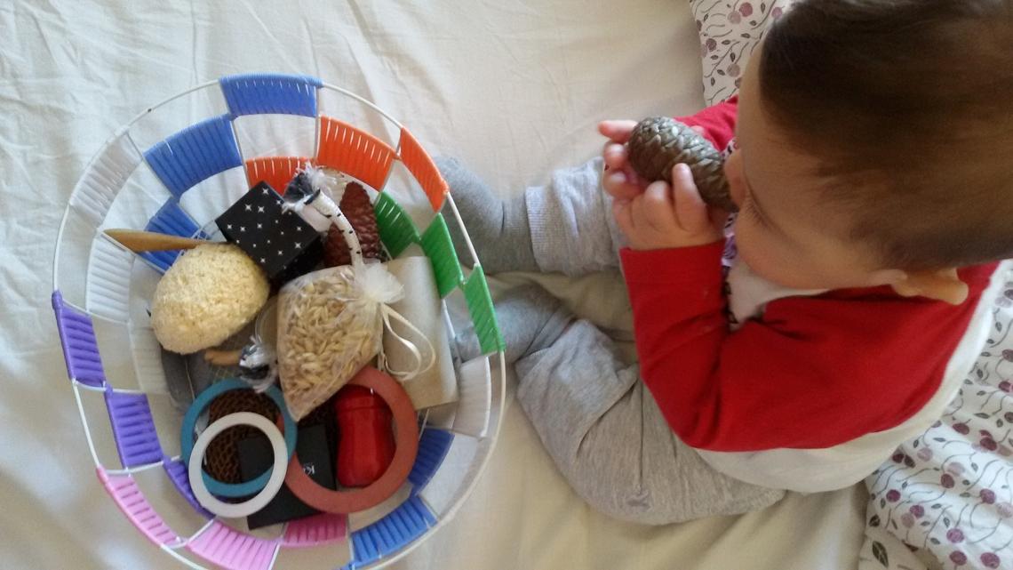 Montessori 5 giochi fai da te con materiali riciclati for Giochi di societa fai da te