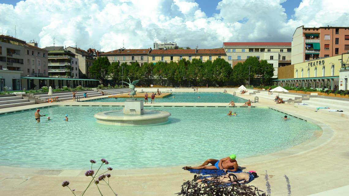 La piscina caimi di milano si trasforma nei bagni misteriosi - Piscine di milano ...