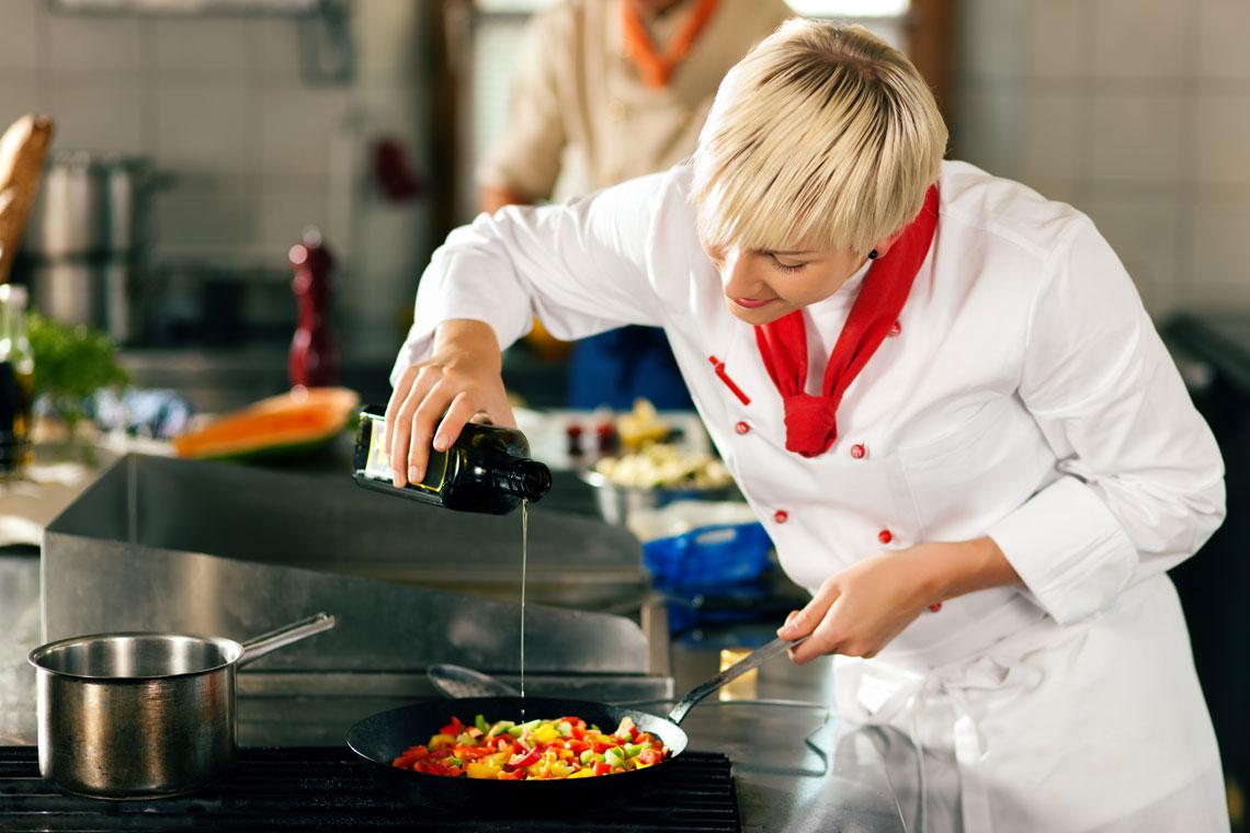L abbinamento olio e cibo in cucina lifegate - Olio di cocco cucina ...