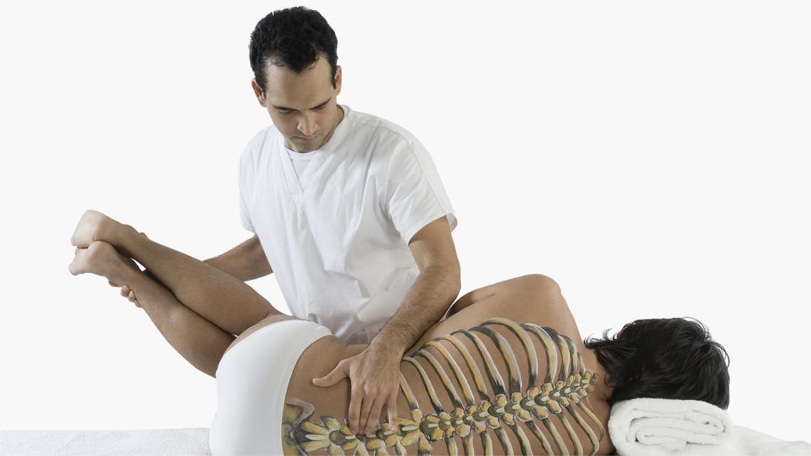 Lombalgia tre esercizi lombari contro il mal di schiena - Mal di schiena a letto cause ...