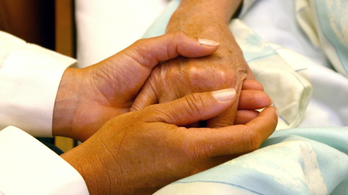 Passa la legge spagnola sull'eutanasia