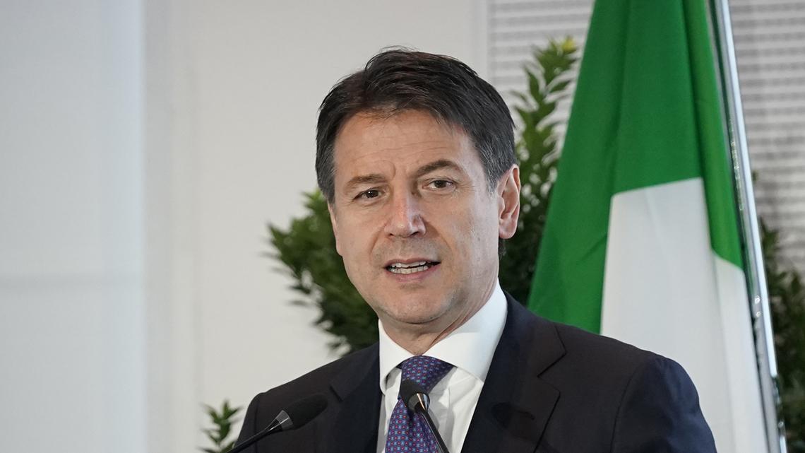 Coronavirus, Conte: dati incoraggianti, l'Italia riapre ma non facciamo sciocchezze
