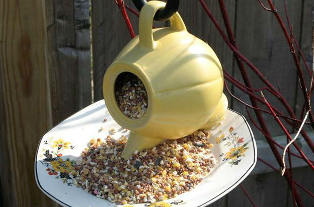 handmade-bird-feeder-design-ideas-crafts-kids-adults-1