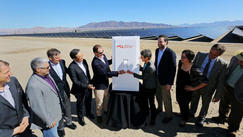 la-me-desert-sunlight-solar-farm-photos2015020-013