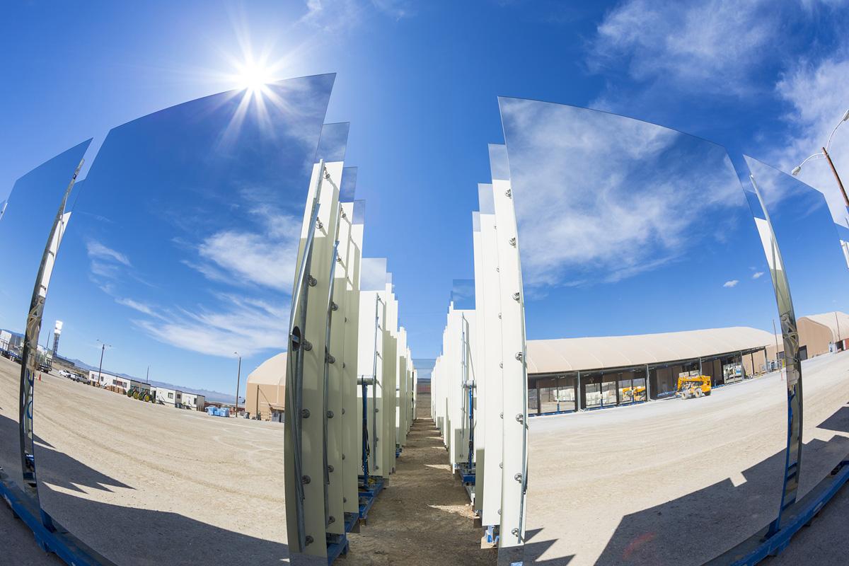 La pi grande centrale solare a concentrazione entrata in funzione lifegate - Centrale solare a specchi ...