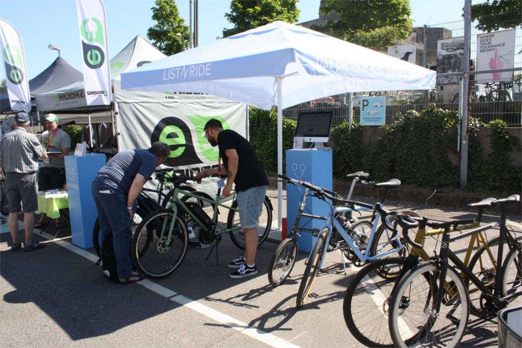 stand listnride bike sharing