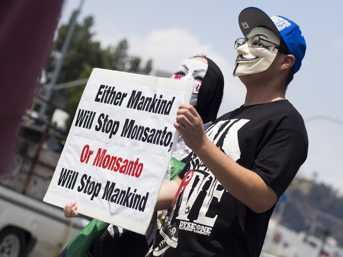 Protest  Monsanto Los Angeles, maggio 2015. Foto © ROBYN BECK/AFP/Getty Images