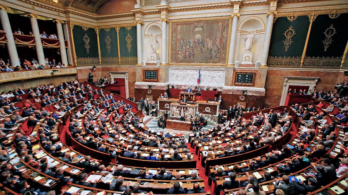 Risultati immagini per parlamento francese