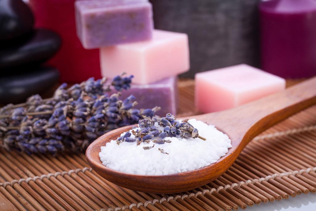 Sapone fatto in casa come fare saponi naturali a freddo lifegate - Sapone liquido fatto in casa ...