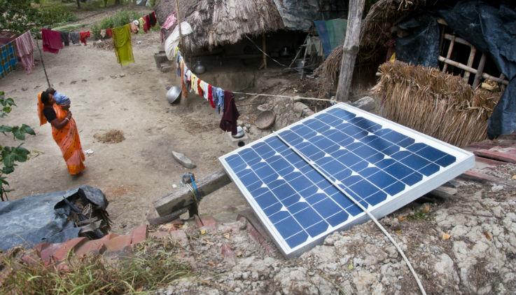 in india 5000 nuove  piccole  centrali solari