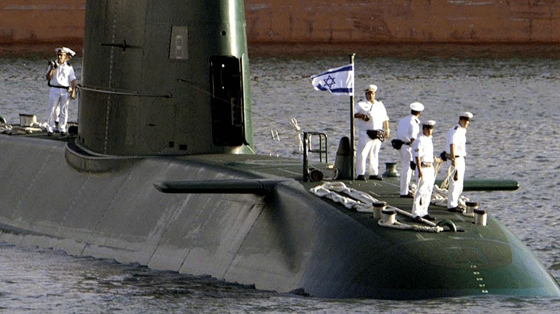 Israele non lo dichiara ufficialmente, ma si ritiene che i sottomarini israeliani di classe Delfino siano armati con testate nucleari.