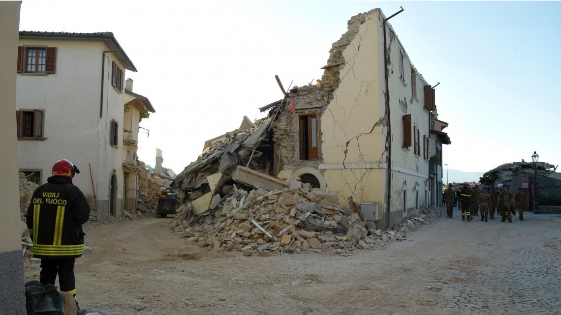 Come aiutare i giovani a ripartire dopo il terremoto nel centro italia lifegate - Casa senza fondamenta terremoto ...