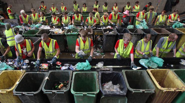 I milanesi differenziano i rifiuti organici meglio di - Rifiuti umido ...