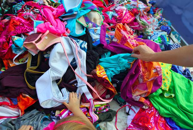 spesso Riciclare abiti usati, una tendenza che aiuta il pianeta. E il  LP13