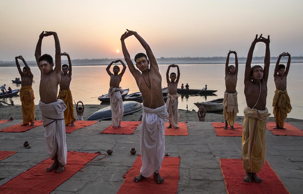 giornata internazionale dello yoga india gange